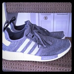 ADIDAS BOOST PERFORMANCE SIZE 11